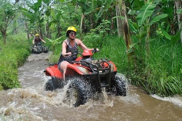 Berkendara ATV di Bali